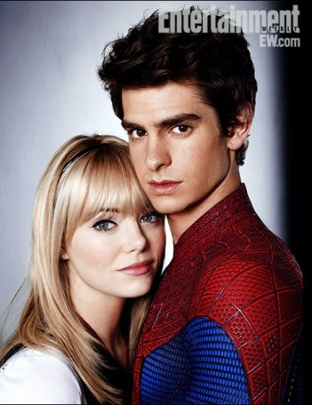 Andrew Garfield ed Emma Stone in una immagine di Spider-Man pubblicata da Entertainment Weekly