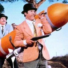 Franco e Ciccio alle prese con un mega-missile in Le spie vengono dal semifreddo