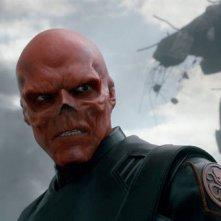Hugo Weaving nelle mostruose vesti di Red Skull in Captain America