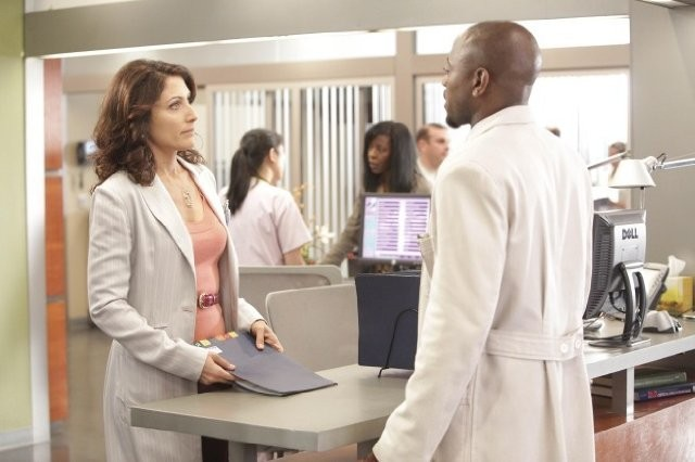 Omar Epps E Lisa Edelstein Nell Episodio The Fix Di Dr House 209304