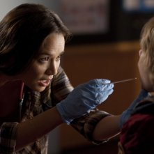 Moon Bloodgood in una scena dell'episodio Sanctuary (parte 1) della serie Falling Skies