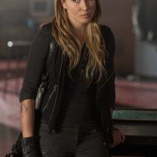 Sarah Carter in una scena dell'episodio Sanctuary (parte 1) della serie Falling Skies
