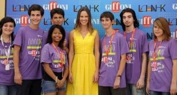 Hilary Swank con i ragazzi di Giffoni nel 2011