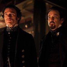 John Cusack e Luke Evans impegnati nelle indagini in The Raven
