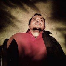 John Leguizamo in una scena di Vanishing on 7th Street