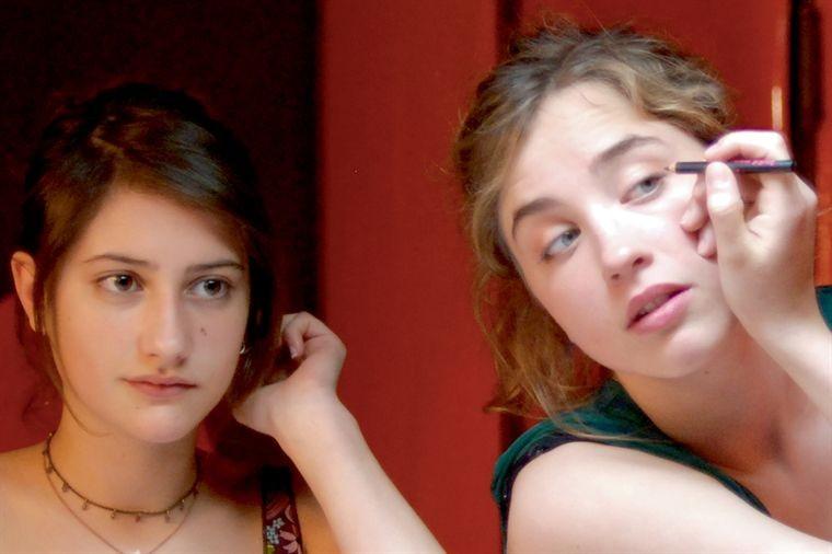 Lola Creton E Adele Haenel In Una Immagine Di En Ville 209746