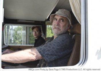 Jeffrey DeMunn in una delle prime foto di scena della stagione 2 di The Walking Dead
