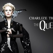 Charlize Theron è la Regina in una delle prime immagini promo di Snow White and the Huntsman