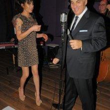Amy Winehouse con suo padre Mitch al City Burlesque di Londra (ottobre 2010)