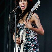 Amy Winehouse durante una performance live al V Festival (agosto 2008)