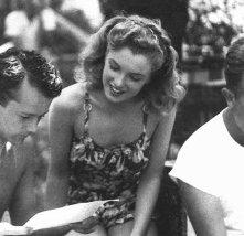 Lon McCallister con una splendida Marilyn Monroe sul set di Scudda Hoo! Scudda Hay!