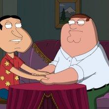 Quagmire e Peter in una scena dell'episodio Extra Large Medium della serie-tv I Griffin