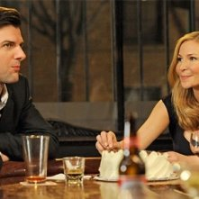 Adam Scott e Jennifer Westfeldt in un'immagine della commedia corale Friends With Kids