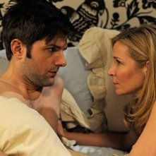 Adam Scott e Jennifer Westfeldt nell'intimità nella commedia corale Friends With Kids