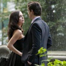 Eliza Dushku e Matthew Bomer in un momento dell'episodio On the Fence di White Collar