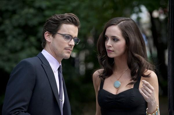 Eliza Dushku E Matthew Bomer In Una Scena Dell Episodio On The Fence Di White Collar 210225