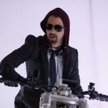 Hutch Dano in una scena dell'episodio Scott Free di White Collar