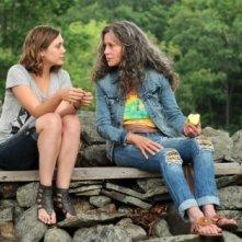 Jane Fonda ed Elizabeth Olsen in una scena di Peace, Love, & Misunderstanding
