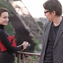 Kristin Scott Thomas ed Ethan Hawke in una scena di The Woman in the Fifth