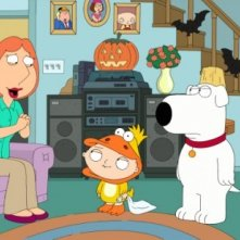 Lois, Stewie e Brian in una scena dell'episodio Halloween on Spooner Street de I Griffin