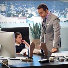Lucas Ellin e Jeremy Piven in una scena dell'episodio Home Sweet Home dell'ottava stagione di Entourage