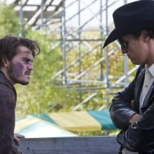 Una concitata discussione tra Matthew McConaughey ed Emile Hirsch in Killer Joe