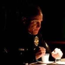 Woody Harrelson in una scena del cop drama Rampart