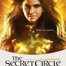 Un character poster per il personaggio di Shelley Hennig nella serie The Secret Circle