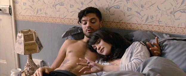 Gemma Arterton Con Dominic Cooper Nel Film Tamara Drewe Di Stephen Frears 210553