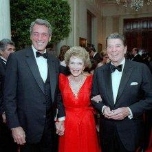 Rock Hudson con Ronald e Nancy Reagan nel maggio dell'84