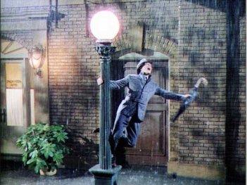 Una scena di Cantando sotto la pioggia