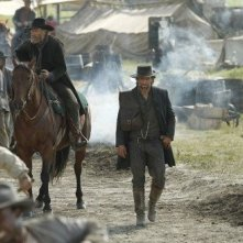 Anson Mount in una scena della serie Hell on Wheels