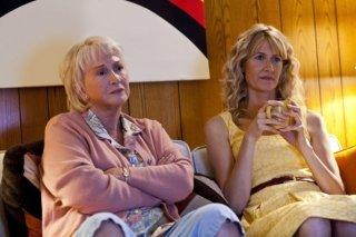 Diane Ladd e Laura Dern nella nuova serie Enlightened