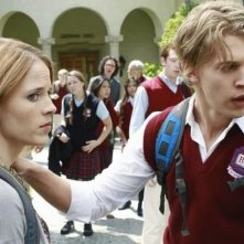 Katie Leclerc e Austin Butler nell'episodio The Persistence of Memory di Switched at Birth