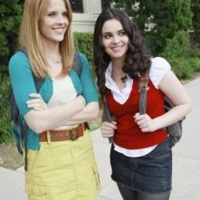 Katie Leclerc e Vanessa Marano nell'episodio The Persistence of Memory di Switched at Birth