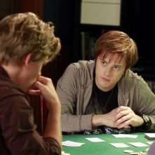 Lucas Grabeel in un momento dell'episodio Dogs Playing Poker di Switched at Birth