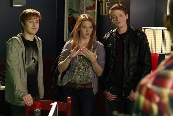 Lucas Grabeel Sean Berdy E Katie Leclerc Nell Episodio Dogs Playing Poker Di Switched At Birth 210715