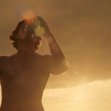 Luke Evans nella sequenza iniziale di Tamara Drewe di Stephen Frears
