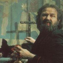 Robert Prosky nel film La fortezza, di Michael Mann (1983)
