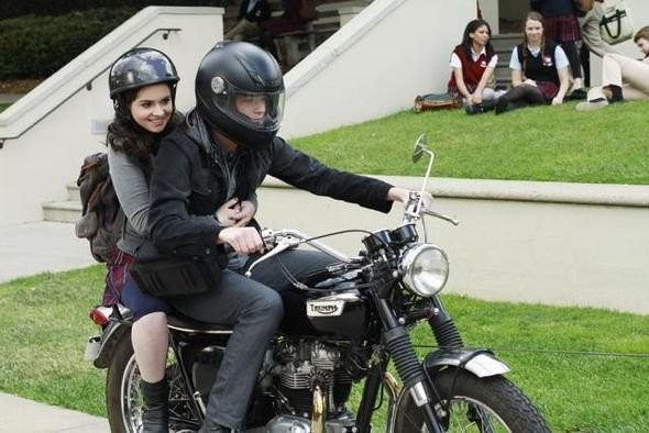 Sean Berdy E Vanessa Marano In Moto Nell Episodio The Persistence Of Memory Di Switched At Birth 210727