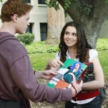 Sean Berdy e Vanessa Marano in un momento dell'episodio The Persistence of Memory di Switched at Birth