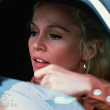 Un primo piano di Tuesday Weld nel film Strade violente (1981)