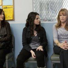 Vanessa Marano, Constance Marie e Lea Thompson nell'episodio This Is Not a Pipe di Switched at Birth