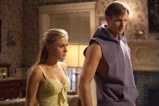 Anna Paquin ed Alexander Skarsgård in una scena dell'episodio Me and the Devil di True Blood