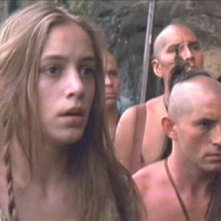 Jodhi May in una scena del film L'ultimo dei mohicani (1992)