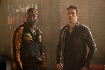 Kevin Alejandro e Nelsan Ellis nell'episodio I'm Alive and on Fire di True Blood