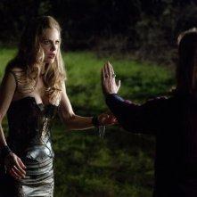 Kristin Bauer e Fiona Shaw nell'episodio I'm Alive and on Fire di True Blood