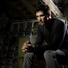 Dylan McDermott è Ben Harmon in una foto promozionale di American Horror Story