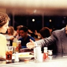 Amy Brenneman e Robert De Niro in una scena di Heat - La sfida, di Michael Mann
