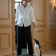 Jim Carrey in una scena de i Pinguini di Mr. Popper